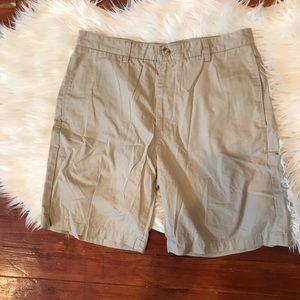 """Vineyard Vines """"Club Short"""" Khaki Shorts"""